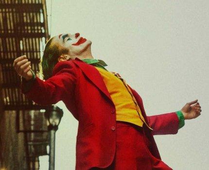小丑(Joker) – 登峰造極的演出,直擊人性的故事