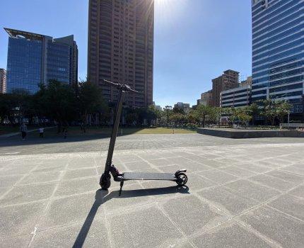 Waymax|X6電動滑板車 通勤、娛樂好朋友 滿足當不成滑板人的心願